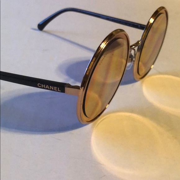 77521b2922fa CHANEL Accessories - Chanel round sunglasses. Pink gold frame